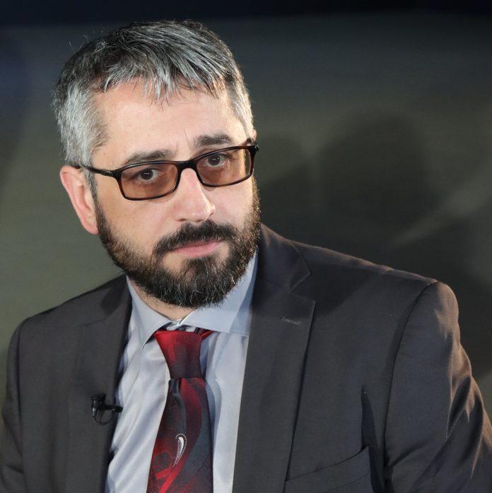Prof. dr. Sead Šemsović, šef Odsjeka za književnosti naroda Bosne i Hercegovine Filozofskog fakulteta Univerziteta u Sarajevu
