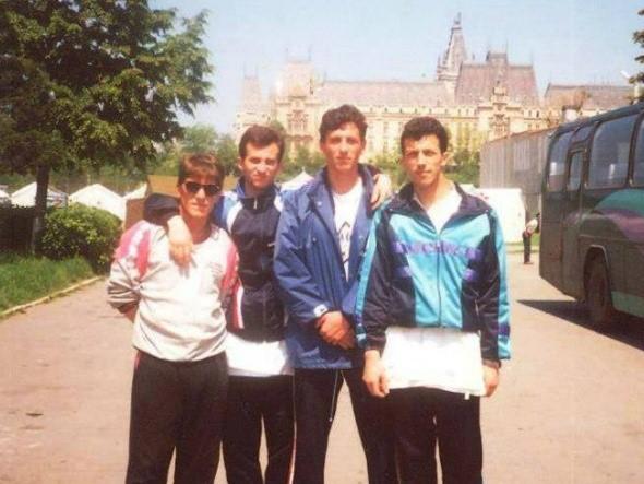 Godine 1995. osvaja prvo mjesto u borbama ekipno na WSKF prvenstvu Balkana održanom u Rumuniji.